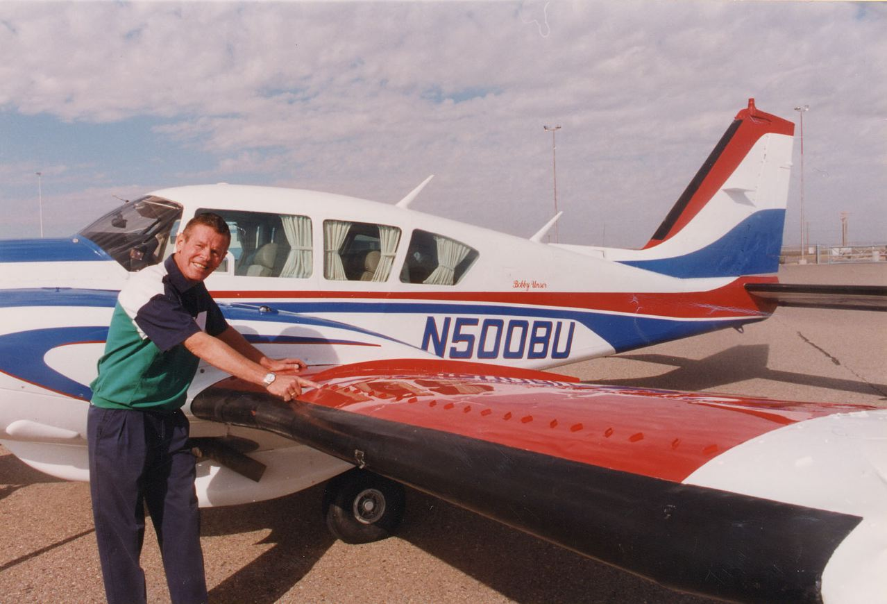 Piper PA-23-250 Aztec with Micro VGs on wings